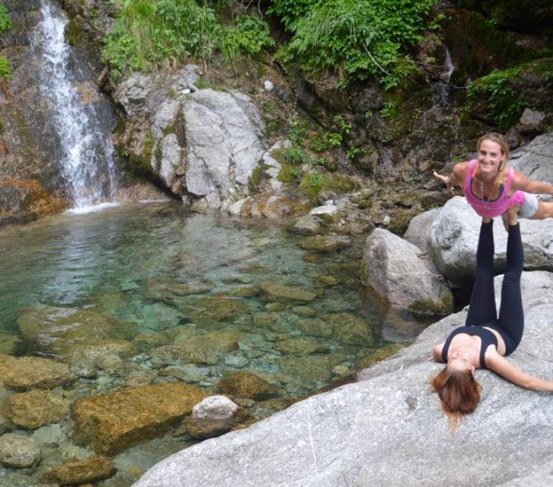 4. September 2016 13:00-15:30 Uhr – Acro-Yoga Workshop mit Jenny und Ayelen