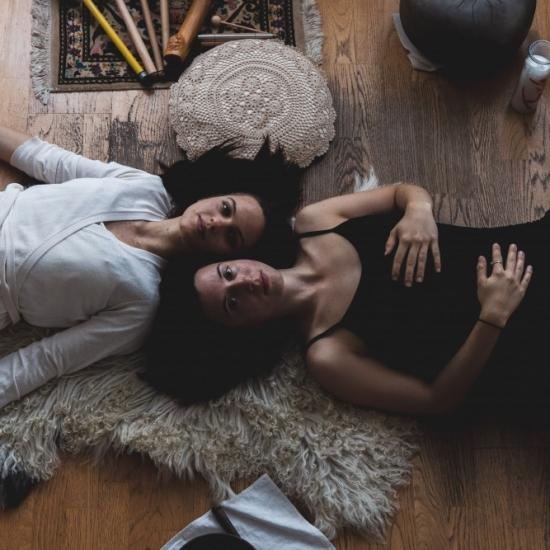 16. November 2019 I 17:00-19:30 I Yin Yoga & Klang Workshop mit Luisa Gaab und Loredana Di Filippo