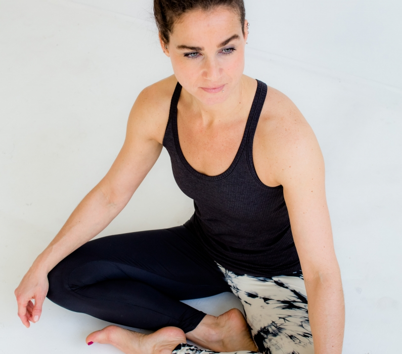27. Juni 2020 16:30-19:30h –  Eine sinnliche Reise in die Tiefe des Yin Yoga I mit Saskia Schreiber / Studio Flingern