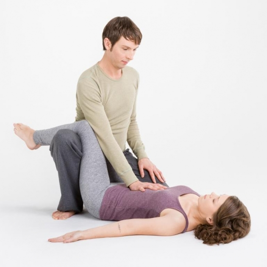 25. April|16:30-19:00Uhr mit Tobias Frank | Thai Yoga Workshop | Flingern